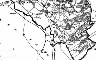 Op de Kuijperkaart van 1866 staat de Kroezenhoek ZO van Silvolde alleen nog als veldnaam, dus niet dikgedrukt als buurtschap/plaatsnaam zoals bij de Silvoldsebuurt NO van Silvolde hier nog wél het geval is.