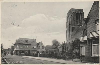 De Lier, ansichtkaart, dorpsgezicht met o.a. Hervormde kerk, ca. 1930