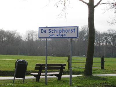 Buurtschap De Schiphorst viel vanouds onder de gemeente de Wijk, maar is met de herindelingen van 1998 d.m.v. grenscorrectie naar de gemeente Meppel overgegaan (terwijl de Wijk zelf in de nieuwe gemeente De Wolden is opgegaan).