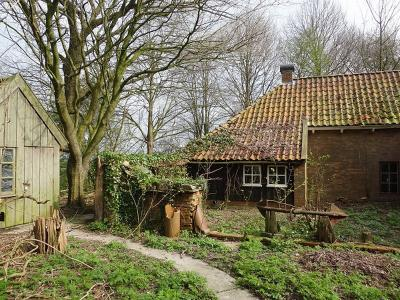 (Woon)boerderij in buurtschap De Vennen (© Harry Perton/https://groninganus.wordpress.com)
