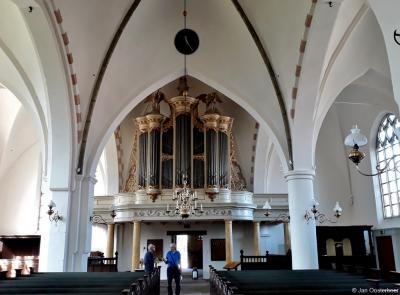 Delden, interieur van de Oude Blasiuskerk, met o.a. het imposante Naber-orgel uit 1847