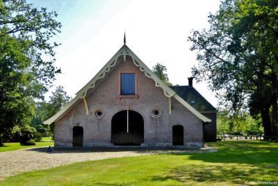 Een van de vele monumentale panden op Landgoed Twickel