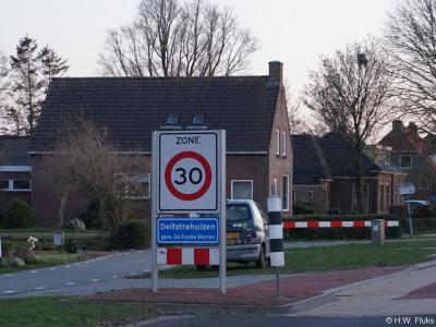 Delfstrahuizen is een dorp in de provincie Fryslân, gemeente De Fryske Marren. T/m 30-6-1934 gemeente Schoterland. Per 1-7-1934 over naar gemeente Haskerland, in 1984 over naar gemeente Lemsterland, in 2014 over naar gemeente De Fryske Marren.