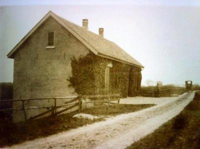 Den Oord, oude foto van het voormalige dijkmagazijn, nabij de huidige houthandel Copier