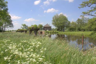 Het prachtig landelijk gelegen dieselgemaal bij Giessenburg dat uitslaat van de Achterwetering naar de Smoutjesvliet