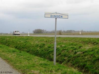 Dingen is een buurtschap in de provincie Groningen, in de streek Hoogeland, gemeente Het Hogeland. T/m 1989 gemeente Baflo. In 1990 over naar gemeente Winsum, in 2019 over naar gemeente Het Hogeland. De buurtschap valt onder het dorp Baflo.