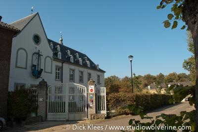 Het kleine dorp Doenrade geniet regionale bekendheid wegens het imposante Kasteel Doenrade