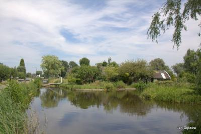 Brede waters en smalle wegen in Donkereind