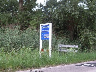 Drunen is een dorp in de provincie Noord-Brabant, in de streek Langstraat, gemeente Heusden. Het was een zelfstandige gemeente t/m 1996.