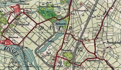 Rond 1930 besluit iemand (de gemeente? de Topografische Dienst?) kennelijk dat de kern Duur vanaf dan maar Nul moet gaan heten. De plaatsnaam Duur wordt 'verhuisd' naar het N, naar het gebied rond de Duursestraat. Rond 1960 wordt Nul in de atlas Den Nul.