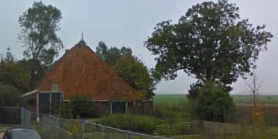 Deze vervallen boerderij op Master Wybrensdyk 10 in buurtschap Eagum is in of kort na 2010 gesloopt, want in dat jaar is er een sloopvergunning voor afgegeven. Deze opname dateert uit 2010. (© Google StreetView)