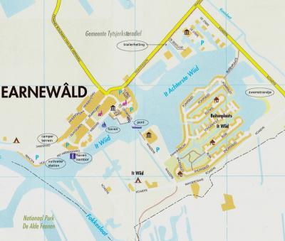 Earnewâld, plattegrond met daarop aangegeven de toeristische voorzieningen