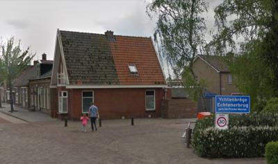 Echtenerbrug is een dorp in de provincie Fryslân, gemeente De Fryske Marren. T/m 2013 gemeente Lemsterland.