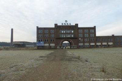 In de nieuwe wijk Enka blijft gelukkig een deel van de oude gebouwen van het Enka-fabriekscomplex bewaard, zodat je deels nog kunt zien hoe het vroeger was.