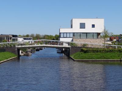 Appingedam is qua bezienswaardigheden o.a. bekend om zijn 'hangende keukens', maar in Eelderwolde hebben ze die ook, zij het in 'iets' moderner uitvoering. (© Harry Perton / https://groninganus.wordpress.com)