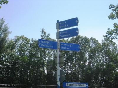 Electra is een buurtschap in de provincie Groningen, in de streek en gem. Westerkwartier, en deels de streek Hoogeland, gem. Het Hogeland.  De buurtschap valt deels onder het dorp Lauwerzijl, deels onder het dorp Oldehove en deels onder het dorp Zuurdijk.