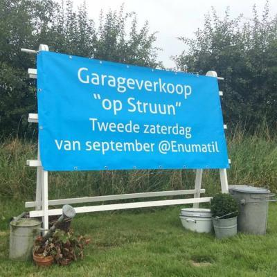 Sinds 2015 is er in Enumatil jaarlijks op de 2e zaterdag van september de garageverkoop 'Op Struun'.