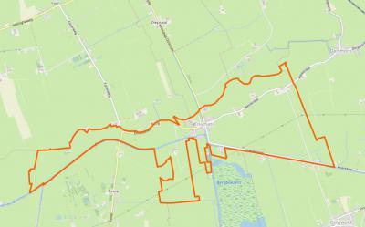 De gemeentelijke herindelingen van 1990 in de provincie zijn aangegrepen om door grenscorrectie de hele dorpskern van Enumatil onder de gemeente Leek te brengen. Binnen de oranje lijn op deze kaart is het huidige dorpsgebied van Enumatil.