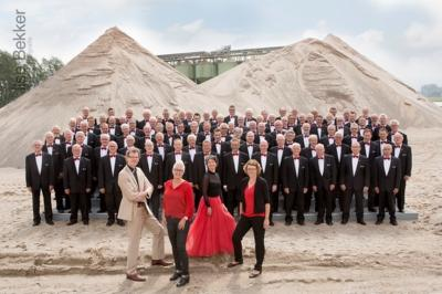 Het Ettens Mannenkoor is opgericht in 1913. Na ruim 100 jaar bruist het koor vandaag de dag met zijn tegen de 120 leden nog altijd van alle kanten en is het een van de grootste en beste mannenkoren van Nederland. (©Ilse Bekker Fotografie/www.ilsebekker.nl
