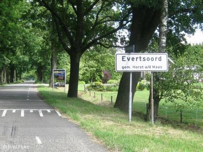 Evertsoord is een dorp in de gemeente Horst aan de Maas. T/m 2009 gemeente Sevenum. Het dorp is volgens de gemeente kennelijk te dunbebouwd om een 'bebouwde kom' te hebben: daarom heeft het dorp witte plaatsnaamborden in plaats van bauwe.