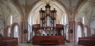 Het imposante Van Oeckelen-orgel uit 1851 in de kerk van Garmerwolde is een van de belangrijkste en fraaiste orgels uit de 19e eeuw in het Noorden van ons land. Het orgel is in 2015 grondig gerestaureerd. (© www.facebook.com/kerkgarmerwolde)