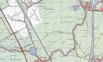 Op deze kaart, uit ca. 1970, geven de gele lijnen de gemeentegrens aan. De plaatsnamen Het Gein en Vinkenbuurt zijn zomaar uitgegumd. In het NW grijpt gem. Amsterdam haar kans om in haar geannexeerde deel van Weesperkarspel de wijk Bijlmermeer te bouwen.