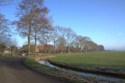 Alleen aan het begin, vanuit Harmelen gezien, zitten er enkele bochten in de buurtschap en weg Gerverscop. (© Jan Dijkstra, Houten)