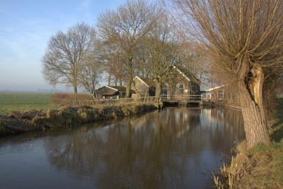 De buurtschap Gerverscop heeft twee rijksmonumenten: het voormalige gemaal en de bijbehorende machinistenwoning, beide uit 1907 (© Jan Dijkstra, Houten)