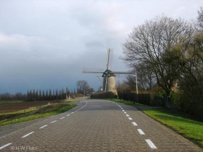 De prachtige molen van Goidschalxoord is jaren in verval geweest, maar ziet er sinds de restauratie van 2010 weer piekfijn uit, is sindsdien ook weer regelmatig in werking en te bezoeken. Je kunt er ook op de molen gemalen meelproducten kopen.