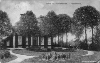 Goldhoorn, boerderij Goldhoorn van de fam. Huisman. Hier stond het Klooster Goldhoorn. De foto is van ca. 1915. De boerderij wordt al genoemd in ca. 1775; het woonhuis dateert van 1857, de schuur was ouder, maar brandde in 1933 af en is in 1934 herbouwd.