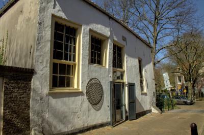 Waarom het laatmiddeleeuwse Tapijthuis aan de Molenwerf in Gouda zo heet, kun je hier lezen: https://nl.wikipedia.org/wiki/Tapijthuis (© Jan Dijkstra, Houten)