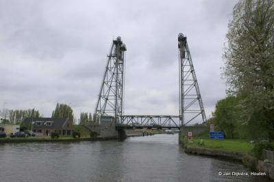 De Hefbrug bij buurtschap Gouwsluis bij Alphen aan den Rijn