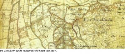 Buurtschap Graszode heet aanvankelijk de Gosvazze, dialect voor graszode. De landmeter verstond dat niet goed en noteerde op de kaart van 1857 De Grasvazen. Zo zie je maar dat je niet per definitie alles moet geloven wat gedrukt staat...