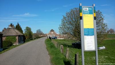 De buurtschap Greffeling heeft geen plaatsnaamborden; je kunt slechts aan de busborden ter plekke zien dat je in deze plaats bent aangekomen.