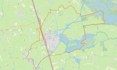 Grou is een groot, maar compact dorp, gelegen in de oksel van het Prinses Margrietkanaal aan de oostkant en de A32 aan de westkant, en met een omvangrijk buitengebied, met daarin de buurtschappen De Burd, Goatum en Suorein. (© www.openstreetmap.org)