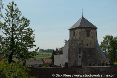 Gulpen, begraafplaats, met oude kerktoren