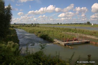 De vistrap bij de stuw in de rivier de Lek bij Hagestein