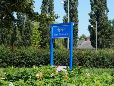 Haren is een dorp in de provincie Groningen, in de streek Hondsrug, gemeente Groningen. Het was een zelfstandige gemeente t/m 2018.