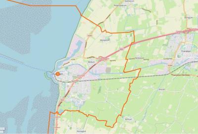 Actuele kaart van de gemeente Harlingen (= het gebied binnen de oranje lijn). (© www.openstreetmap.org)