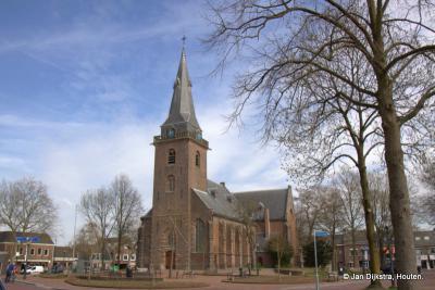 De Hervormde kerk van Harmelen, gezien vanuit de Kalverstraat, de mooiste plek om de kerk ten voeten uit te fotograferen
