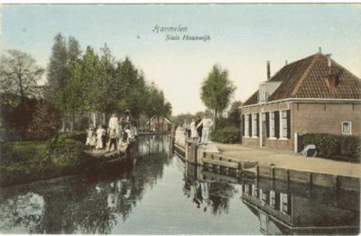 De Haanwijkersluis e.o., tussen buurtschap Haanwijk en de dorpskern van Harmelen, op een 100 jaar oude ansichtkaart