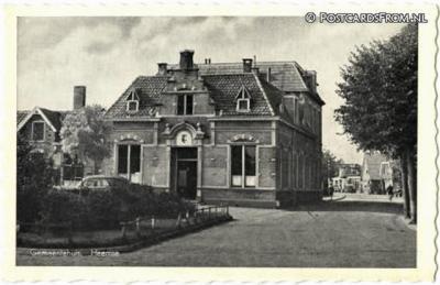 Heemse was de hoofdplaats van de t/m 30-4-1941 bestaan hebbende gemeente Ambt Hardenberg. Daar stond dus ook het gemeentehuis.