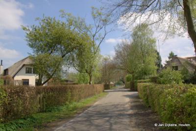 Hees is een groene buurtschap in de streken Utrechtse Heuvelrug en Eemland