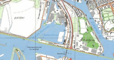 Kaart uit ca. 1980, met direct Z van het schiereiland, dat nu als buurtschap Hembrug heet, de gelijknamige brug, en W daarvan de Hemtunnel in aanleg (die in 1983 gereedkomt). (© van alle drie de kaarten: www.kadaster.nl)