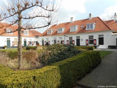 Hengelo, hofje aan de Lansinkweg. Tuindorp 't Lansink is sinds 2003 een beschermd stadsgezicht.