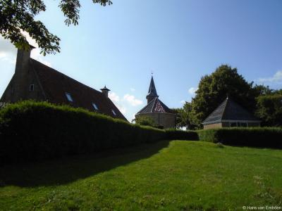 Herbaijum, mooi doorkijkje naar de kerk