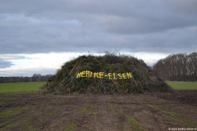 Herike-Elsen is een van de buurtschappen waar jaarlijks nog een paasvuur oftewel  boake wordt ontstoken