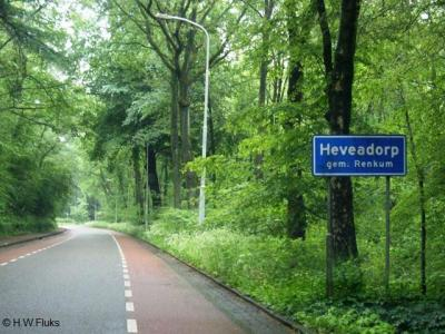 Het dorp Heveadorp heeft uiteraard een bebouwde kom, maar die ligt hier en daar wel érg verscholen in het groen