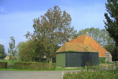 Hidaard, boerderij met uilenbord in de top van de gevel (© Jan Dijkstra, Houten)