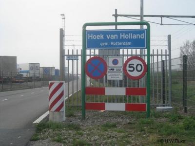 Hoek van Holland is een dorp en bestuurlijk gezien een gebied (t/m 2013: deelgemeente), in de provincie Zuid-Holland, gemeente Rotterdam. T/m 1913 gemeente 's-Gravenzande. Bij een grenscorectie in 1914 is het dorp naar de gemeente Rotterdam overgegaan.